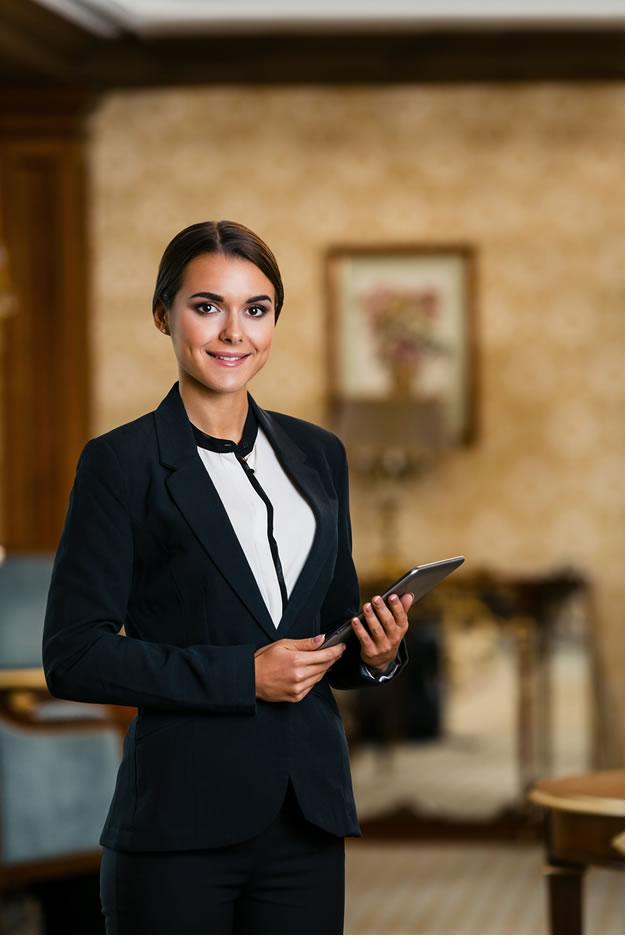 Ahorro, protección y una imagen personalizada para quienes trabajan en hospitalidad.